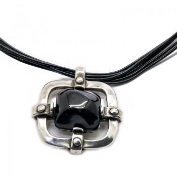 Gargantilla de Cuero con Colgante Romano con Piedra Negra